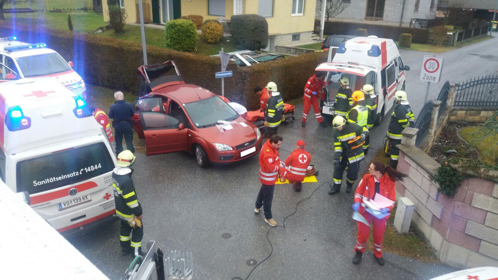Verkehrsunfall / Befreiung aus Fahrzeugwrack